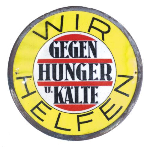 Large metal Türplakette Wir helfen gegen Hunger und Kälte! (1933)