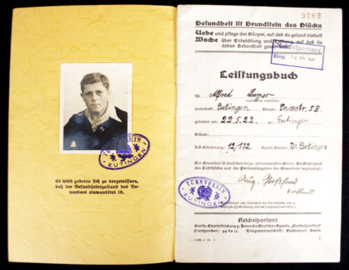 WWII German RJA Sports Proficiency badge Leistungsbuch with passphoto
