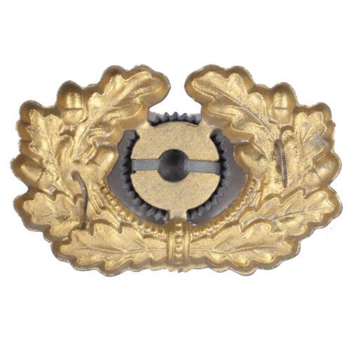 Kriegsmarine (KM) visor cap insigniacockarde with wreath