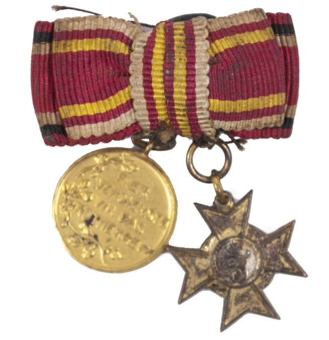 WWI Baden/Preussen Miniature buttonhole medals with Baden Kriegsverdienstkreuz + Prussian Red Cross medal