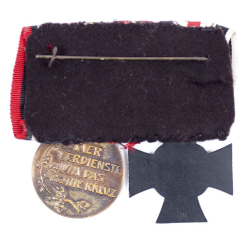 (Prussia) Female medalbar with Witwenkreuz + Prussian Red Cross medal