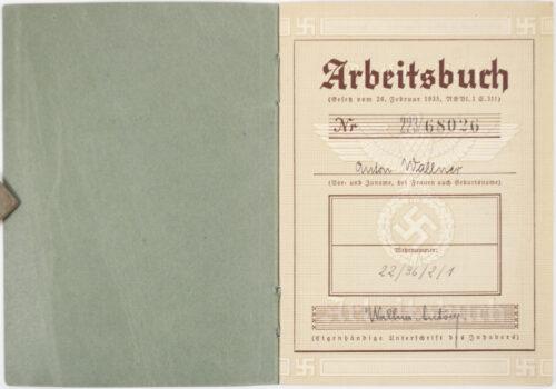 Arbeitsbuch second type JUNKERS FLUGZEUG UND MOTORWERKE FLUGZEUGBAU STAMMWERK