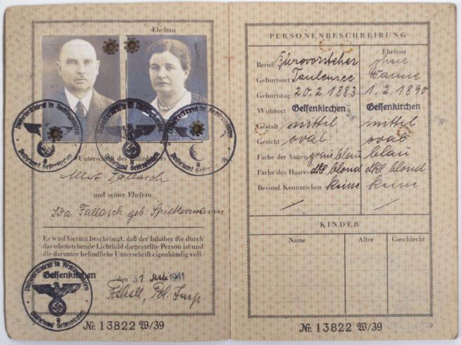 Deutshes Reich Reisepass Maried couple (two passphoto's!)