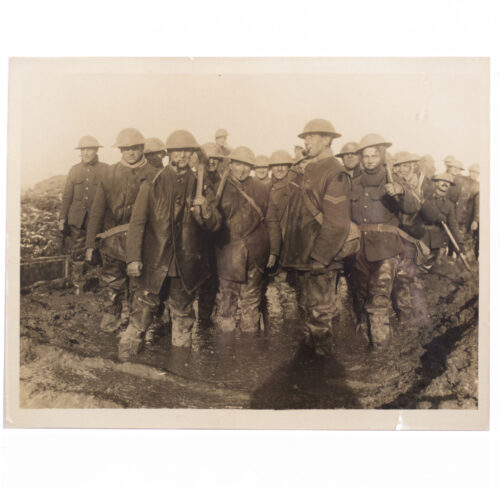 (Pressphoto) WWI The Front in France a scene in a muddy spot on the Somme Battlefield
