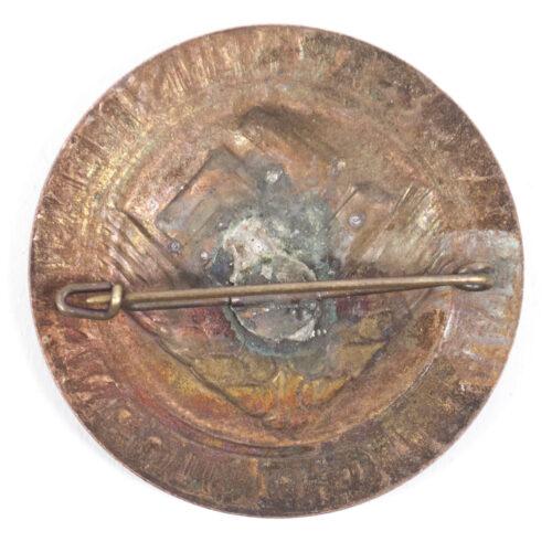 Reichsarbeitsdienst Weibliche Jugend (RADw) bronze brooch