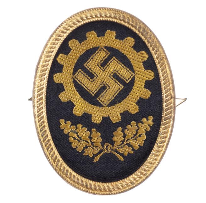 Deutsche Arbeitsfront (DAF) visor cap insignia