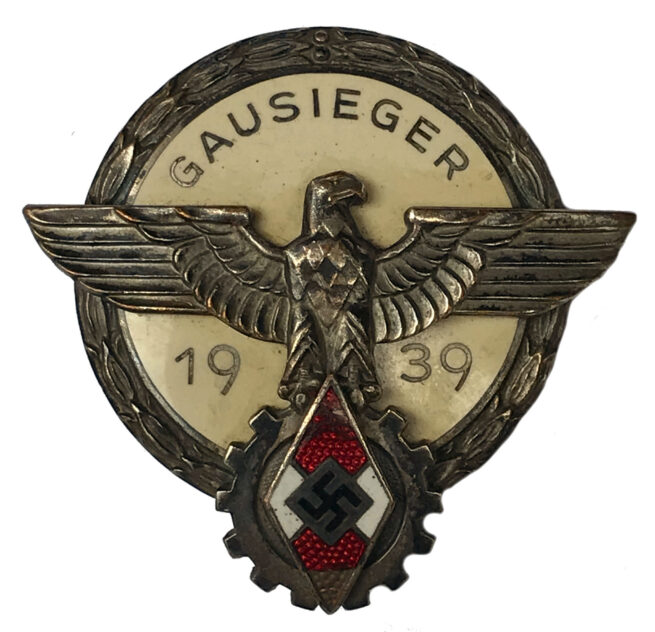 Hitlerjugend (HJ) Gausieger 1939 (Maker G. Brehmer Markneukirchen)