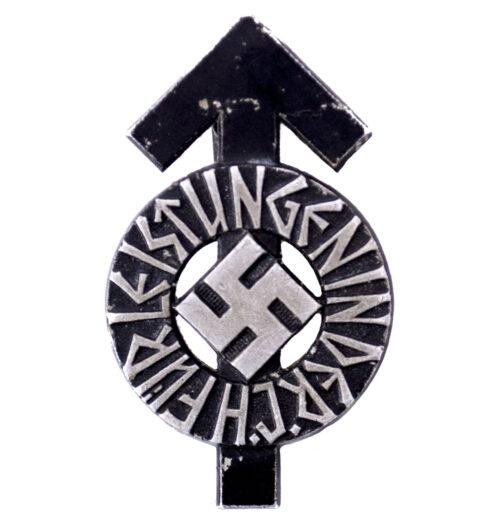Hitlerjugend (HJ) Leistungsabzeichen in Black M136 (maker Berg & Nolte AG, Lüdenscheid)