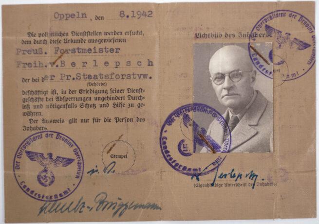 Passgroup with Reichskolonialbund pass, Jahresfischereischein, Ausweis