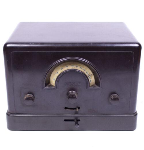 Bakelite radio reciever Mende 169W (1931)