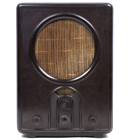 German WWII RadioVolksempfanger - VE 301W (1933)