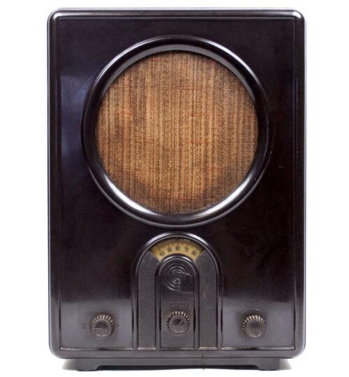 German WWII RadioVolksempfanger - VE 301W (1933).