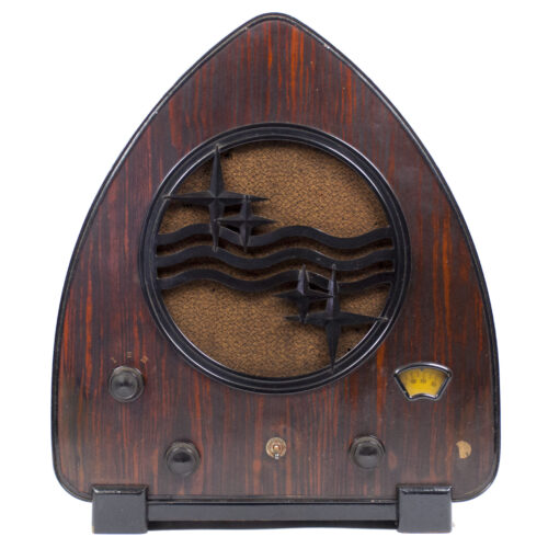 Iconic Philips Gothic Cathedral Radio reciever Model 930A made in 193132 (large size!)
