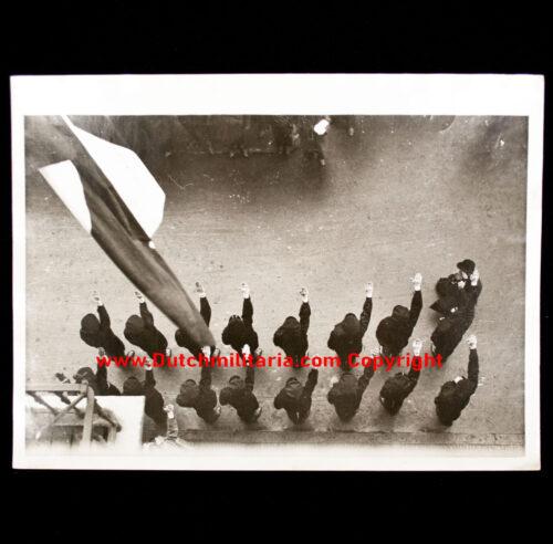 (Photo NSB) Utrecht 71-1933 Congress der Fascisten Hoisting the flag