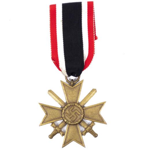 Kriegsverdienstkreuz Zweite Klasse (KVK2) War Merit Cross second class (maker 68)