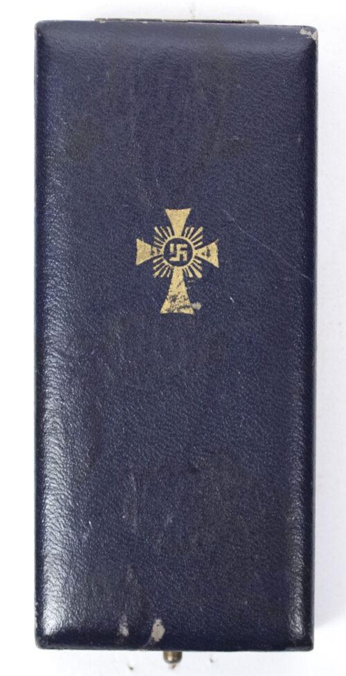 Mutterkreuz gold in etui Gold Motherscross with case (maker Ziemer & Sohne)