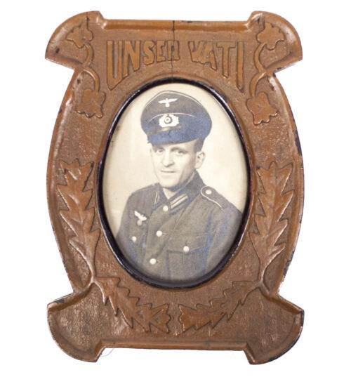 (Photo) Wehrmacht (Heer) wooden frame with fallen heer soldier Unser Vati