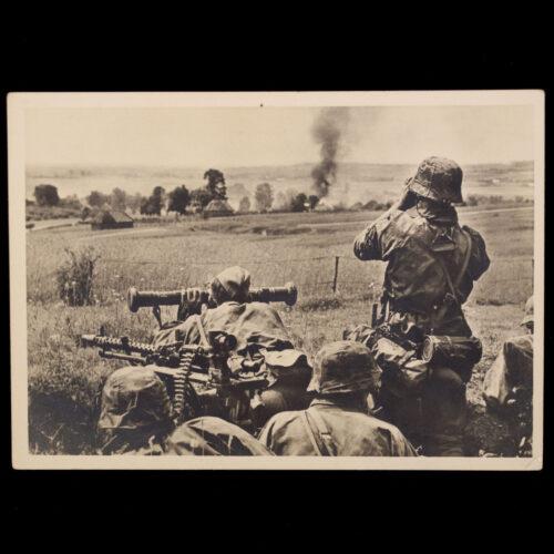 (Postcard) Unsere Waffen-SS im Kampf um ein Sowjetdorf