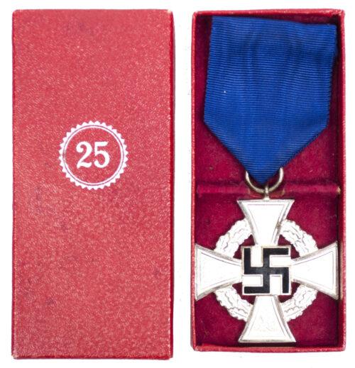Treue Dienst 25 Jahre + Etui Loyal Service 25 years + case (Franz Reischauer)