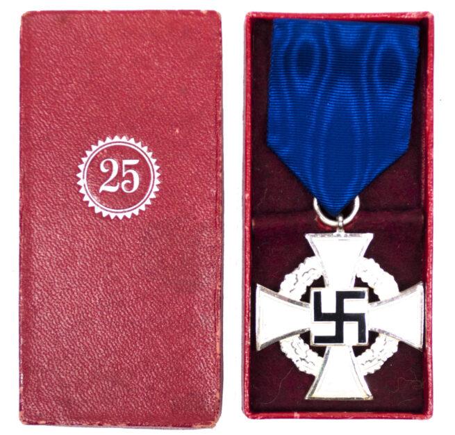 Treue Dienst 25 Jahre + Etui / Loyal Service 25 years + case (maker R. Souval)
