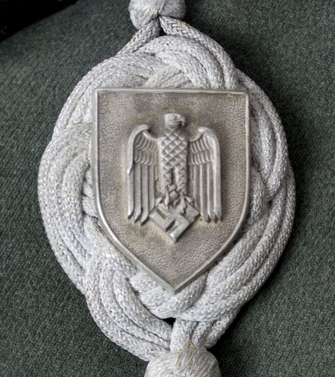 Wehrmacht (Heer) Waffenrock parade tunic Artillerie Regiment 6 with Schützenschnur