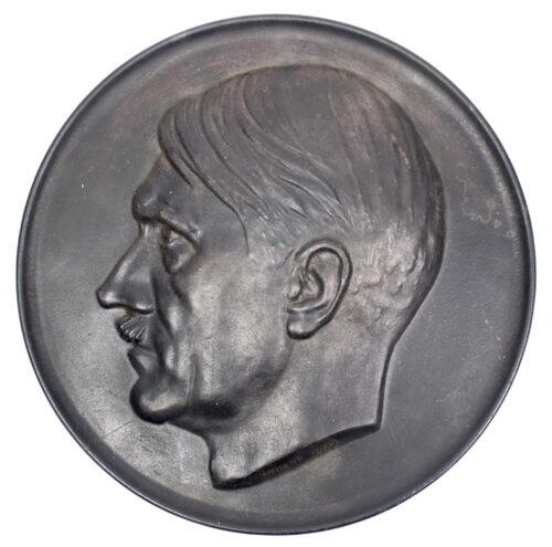 Large size Adolf Hitler plakette by artist Walther Wolff (1933)