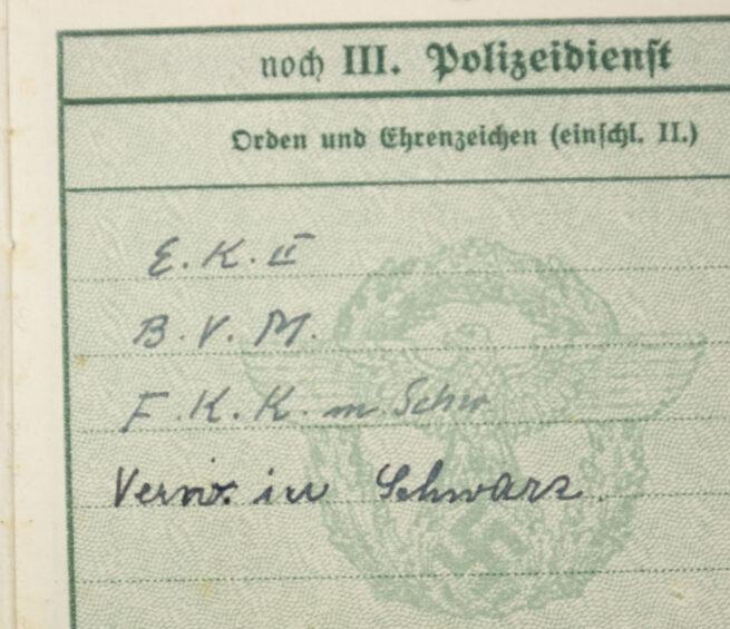 Polizei Dienstpass Inf Rgt 25 - With Ek2, Baden Verdienst medaille, Frontkämpfer Ehrenkreuz, Verwundetenabzeichen Schwarz