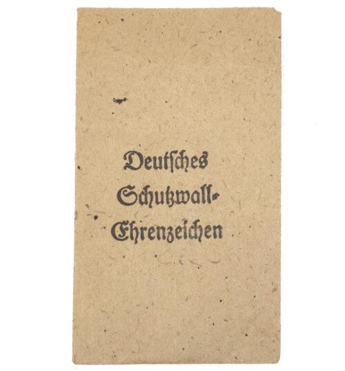 Deutsches Schutzwall Ehrenzeichen Westwal medal Tüte Bag (Maker Carl Poellath)