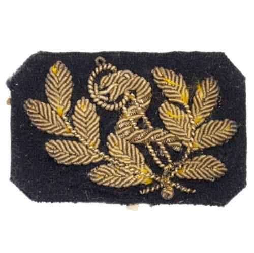 (Dutch Army before 1940) Kraagembleem Officier Gezondheids arts (goud)