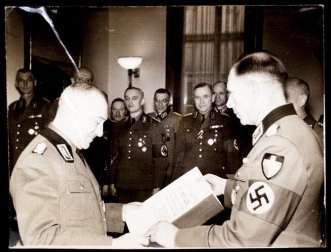 (Pressphoto) Anlässlich des 68. Geburtstages des Reicharbeitsführers Reichsleiter Konstantin Hierl