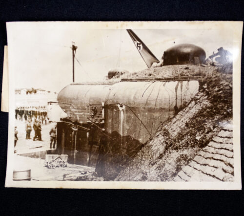 (Pressphoto) Ein Bunker der Maginotlinie