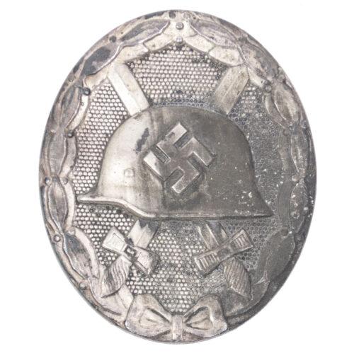 Verwundetenabzeichen in silber Woundbadge silver (maker 26 B.H. Mayer)