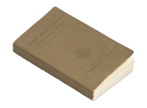 WWII USA - New Testament Protestant Version presented by the Army of the United States (1942) - NAMED!