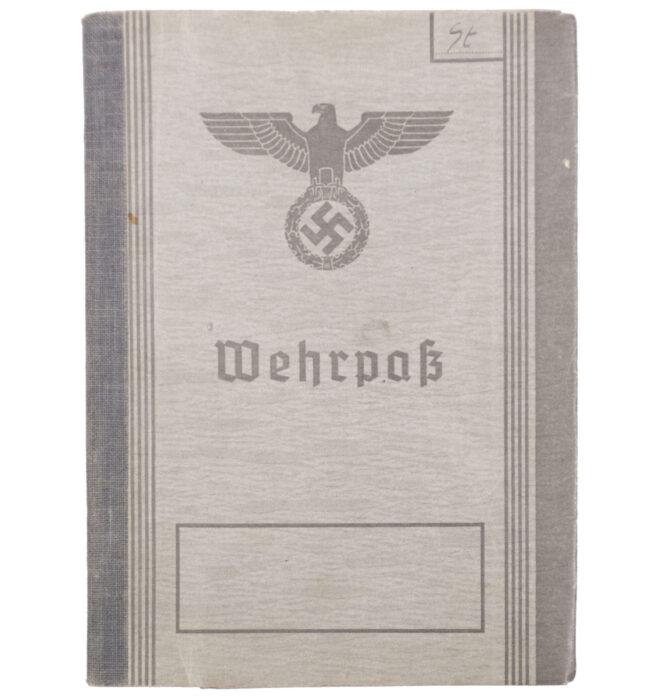 Wehrpass second type with passphoto