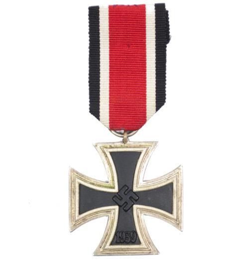 Iron Cross second Class (EK2) Eisernes Kreuz zweite Klasse by maker C.E. Juncker